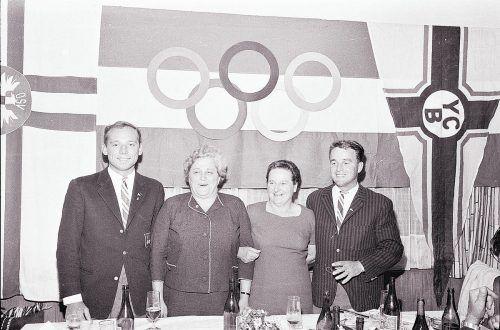 links Werner Fischer, rechts Karl Geiger. Geiger und sein spätere Partner Willy Pfanner schieden allerdings Ende 1969 im Streit vom Yachtclub Bregenz. Öffentlich gemachte Vorwürfe an den Club, nicht genügend gefördert worden zu sein, wurden von diesem entschieden zurückgewiesen.Oskar Spang, Stadtarchiv Bregenz