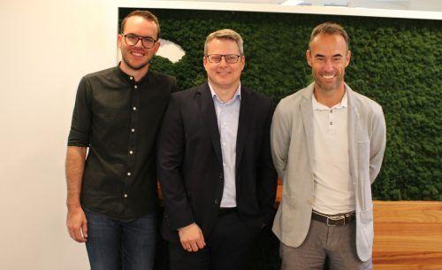 Lukas Debortoli (GF Wirtschaft im Walgau), Christian Gerstgrasser (GF Gerstgrasser Steuerberatung) und Bürgermeister Wolfgang Lässer. Wirtschaft im Walgau