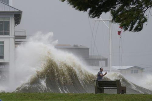 """Mega-Hurrikan """"Ida"""" traf mit voller Wucht an der US-Golfküste auf Land. AP"""