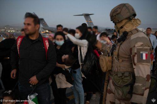 Mehrere Länder haben angesichts der Terrorwarnungen ihre Evakuierungsflüge aus Afghanistan vorzeitig gestoppt. AFP