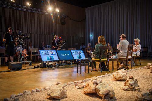 Mit etwa 1000 Teilnehmenden pro Tag in Alpbach und mehreren Tausend online wird das EFA so zu einem wichtigen Wegbereiter für ähnliche Konferenzen. LP