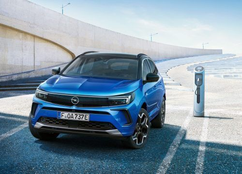 """Modern gemacht auf allen Linien ist die neue Generation des Opel Grandland. Das """"X"""" hat der Rüsselsheimer ab-, dafür an Chic außen wie innen zugelegt."""