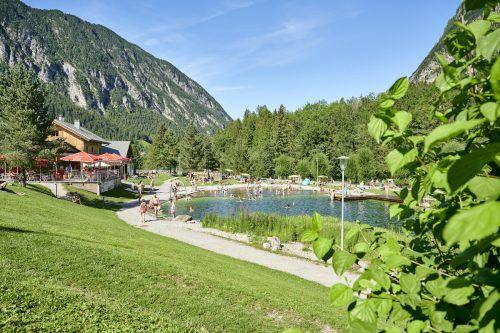 Momentan treffen sich die Jugendlichen noch vermehrt am Alvierbad. Für die Zukunft wünschen sie sich aber einen eigenen Jugendtreffpunkt. Alpenregion Bludenz Tourismus GMBH
