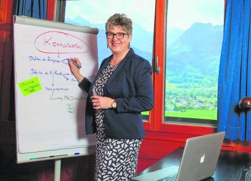 Monika Erne berät in Sachen Kommunikation mit Herz und Erfahrung.ernecommunication