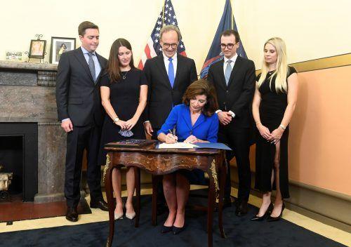 Nach dem Rücktritt Andrew Cuomos wegen Vorwürfen der sexuellen Belästigung steht Kathy Hochul an der Spitze des US-Staats New Yorks. reuters