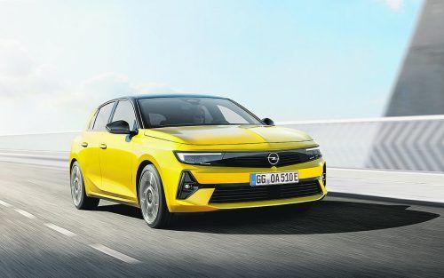 Nach sechs Jahren Bauzeit schickt Opel den letzten General-Motors-Astra in Rente. Die neue Generation soll sportlicher, cooler und nicht zuletzt elektrischer werden – erstmals sind auch Plug-in-Hybride zu haben. Die Neuauflage Astra L ist das erste Modell, das komplett in der PSA/Stellantis-Ära entwickelt wurde. Die Bestelllisten öffnen im Herbst, die ersten Autos rollen Anfang 2022 auf die Straße.