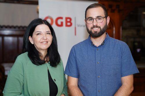 ÖGB-Vorarlberg-Geschäftsführerin Manuela Auer mit dem neuen Rechtschutzsekretär Manuel Ganahl. FA