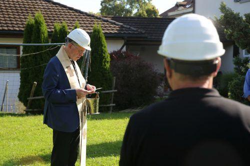 Pfarrer Peter Willi hat die Zeremonie geleitet.