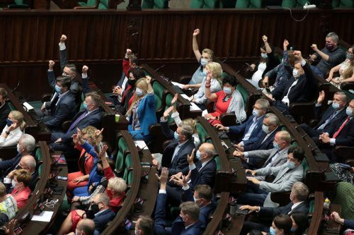 Polen hat ein umstrittenes Gesetz eingeführt, dass nach dem 2. Weltkrieg konfisziertes Eigentum nicht zurückgegeben werden muss. Reuters