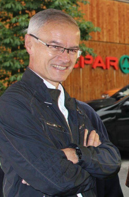 """Raiba-Vorstand Otto Natter, wichtiger Partner für """"Üsa Lado""""."""