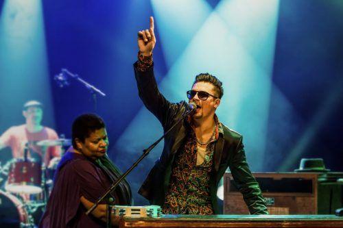 """""""Raphael Wressnig & The Soul Gift Band"""" sorgt am Freitag für besten Groove-Sound auf dem Remisevorplatz.                              Jean-Michel-rocknblues"""