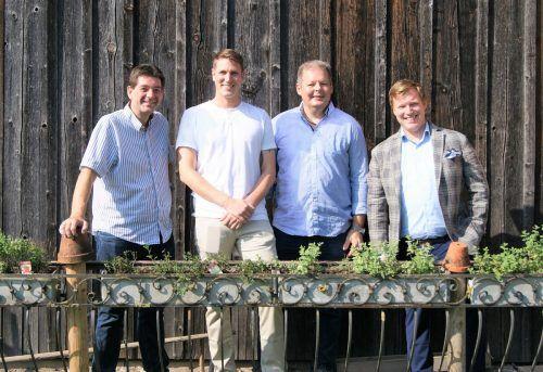 """Roland Vith (Rankweiler Hof), Dominic Mayer (Wirtshaus Hörlingen), Günter Hämmerle (Gasthaus Schäfle) und Marcel Herburger (Gasthof Mohren) sind Teil von """"zemma wirta""""."""