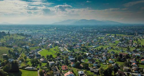 Das Rheintal: viel gebaut, wenig Platz zum Bauen. VN/Steurer