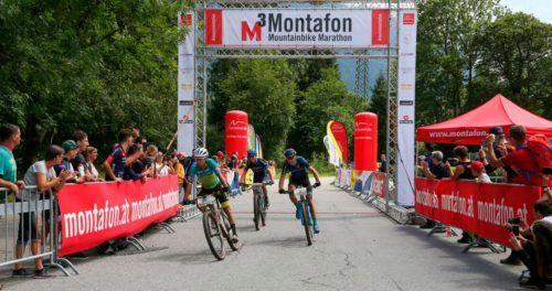 Spannendes Ende beim M3-Mountainbike-Marathon in Schruns: Sascha Weber setzte sich zeitgleich vor Hansueli Stauffer und Frans Claes durch.Cjhien-Jen Wang
