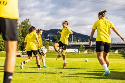 Viktoria Pinther (im Bild mit der Nummer 22) soll in der neuformierten BL-Mannschaft SPG SCR Altach/FFC Vorderland eine Führungsrolle übernehmen.VN-SAMS
