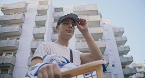 """Wettbewerb International Masel Tov Cocktail """"Mit viel Ironie und Witz zeigt Masel Tov Cocktail was es heißt, als jüdischer Jugendlicher in Deutschland aufzuwachsen."""" (ZDF.de)"""