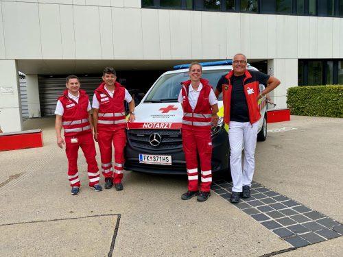 Achim Dünser (Kommandant), Alexander Berchtold (Dienststellenleiter), Dr. Barbara Kopp und Dr. Christian Flaig (v. l.)Rotkreuz