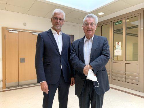 Alt-Bundespräsident Heinz Fischer (r.) mit Autor Harald Walser.