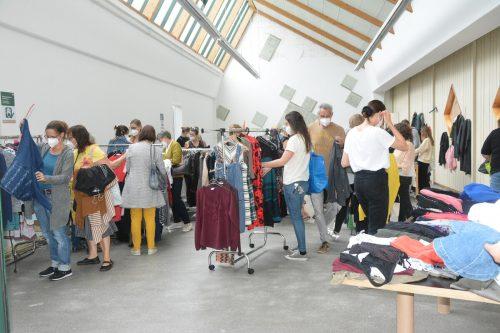 Am Montag fand in Lustenau ein Kleidertausch statt. Der Andrang war groß.