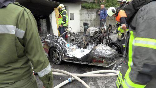 An den Fahrzeugen entstand durch den Brand Totalschaden, glücklicherweise wurde niemand verletzt. poggioli