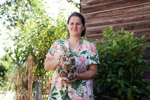 Auch Theresia Katzenmaier ist auf dem Dorf-Märtle in Langenegg am kommenden Samstag mit einem Stand vertreten. me