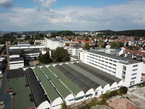 Auf dem ehemaligen Industrieareal stehen in den Bestandsbauten bereits Büroflächen zur Verfügung. FA