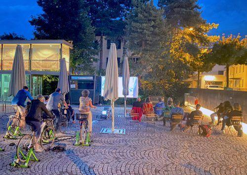 Beim ersten Bludenzer Fahrradkino sorgten die Teilnehmer abwechselnd für die nötige Stromzufuhr.Stadt Bludenz