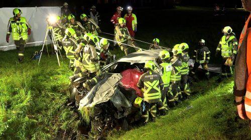 Beim folgenschweren Zusammenstoß im Bregenzerwald wurden die beiden beteiligten Fahrzeuge total beschädigt.Jean Pierre Poggioli