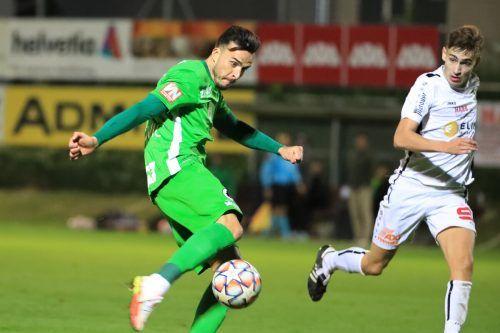 Bemüht, aber wenig effizient: Für Haris Tabakovic - im Bild gegen Florian Janisch - und seine Austria war gegen Weiz in der zweiten Runde des ÖFB-Cups Endstation.gepa