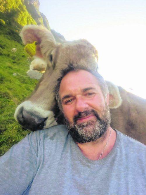 Christof Kohler hängt an seinem handzahmen Vieh.