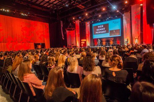 Das Festival wurde von Frauen für Frauen gestartet. Auf der Bühne und im Publikum sind aber auch Männer herzlich willkommen.
