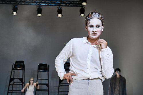 """David Kopp in der Titelrolle von """"König Ödipus"""" am Landestheater, einer Produktion, deren Premiere beim Publikum sehr gut ankam. VLT/Köhler"""