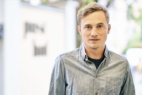 David Kopp verkörpert König Ödipus in der Inszenierung von Johannes Lepper am Vorarlberger Landestheater in Bregenz. VLT/ANJA KÖHLER