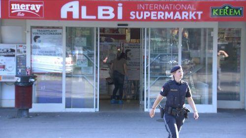 Der 36-Jährige steht im Verdacht, am 14. August auch den Albi-Supermarkt in der Bregenzer Achsiedlung überfallen zu haben. vol.at