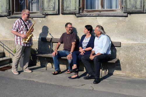 Der Bänklehock in Nüziders lädt diesen Sonntag nicht nur zum Verweilen, sondern auch zum Kunstgenuss ein.Gemeinde