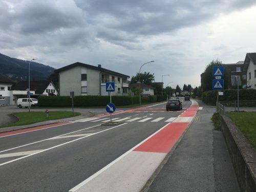 Der Bau einer Ampelanlage an der Kreuzung der Landesstraße mit Rheinfähre und Kirchholz liegt in weiter Ferne.VN/PES