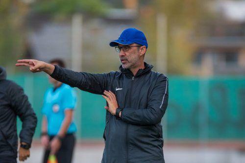 Der FC Lauterach hört nun auf die Anweisungen von Peter Jakubec, der heute in Röthis sein Comeback gibt.Stiplovsek