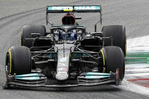 Der Finne Valtteri Bottas startet von Startplatz eins vor seinem Stallrivalen Lewis Hamilton in den Sprint (Samstag, 16.30 Uhr).AFP