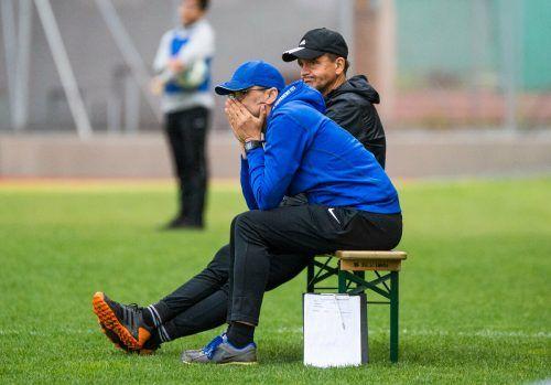 Der intemann FC Lauterach ist bereits die fünfte gemeinsame Station des Trainerduos Peter Jakubec (vorne) und Hans-Peter Pircher.VN/Stiplovsek