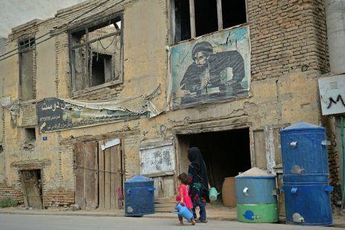Der Krieg hinterließ seine Spuren (im Bild Kabul) - von Zerstörung bis zur Hungersnot. Frauen werden von den Taliban wieder an den Rand gedrängt.AFP