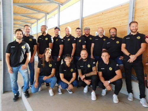 Der neu gewählte HSC-Vorstand blickt freudig in die kommende Eishockeysaison.mima