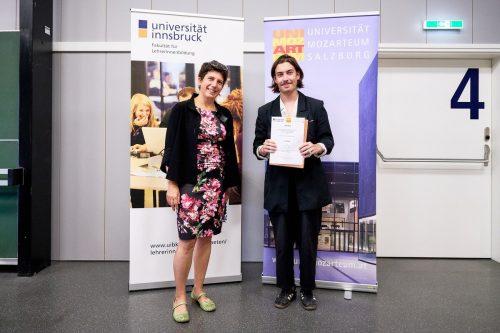 Die Auszeichnung für die hervorragende Vorwissenschaftliche Arbeit konnte an Steven Moser übergeben werden.Gymnasium schillerstrasse