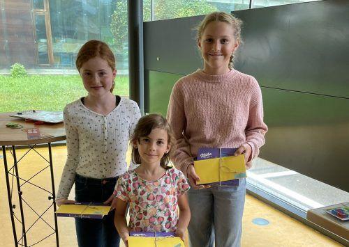 Die Gewinnerinnen der Sommerleseaktion freuten sich über tolle Preise. Bücherei