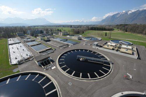 Die Kläranlage in Meiningen ist die größte Anlage des Landes. Nun wird auch ihr Wasser nach Rückständen des Coronavirus untersucht. VN