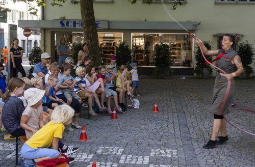 """Die lebhafte Aufführung """"Splash"""" konnte gerade bei den kleinen Gästen viel Freude verbreiten. VN/Paulitsch"""