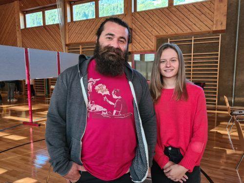 Die Lehrlinge Ali Duran und Natalie Tschofen haben die innovativen Bildungsformen im Rahmen des Projekts DuALPlus mitentwickelt. VN/JUN