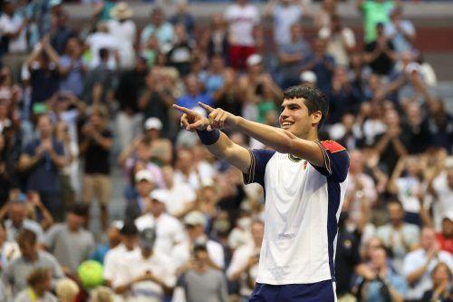 Die Tennis-Teenager Carlos Alcaraz und Leylah Fernandez haben bei den US Open in New York jede Menge Grund zur Freude. AFP