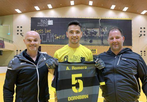 Edi Calvin (Vorstandsbeirat, sportlicher Jugendleiter), Ariel Romero und Michael Schwendinger (Vizepräsident).