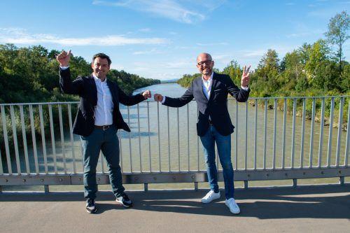 Ein Bild aus guten Zeiten nach dem Wahlerfolg bei den Gemeindewahlen: Parteichef Martin Staudinger (l.) und Michael Ritsch.