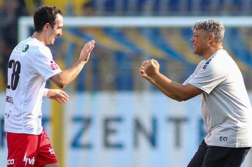FCD-Kapitän Aaron Kircher und Trainer Eric Orie machen sich heute gegen den FAC berechtigt Hoffnung auf den nächsten Sieg.gepa